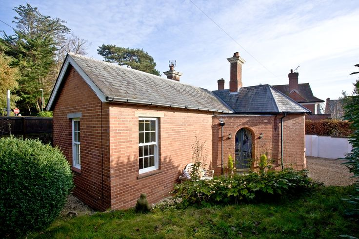 An exclusive and historic lodge with boutique interiors, located just a 5 minute walk from Exeter city centre.