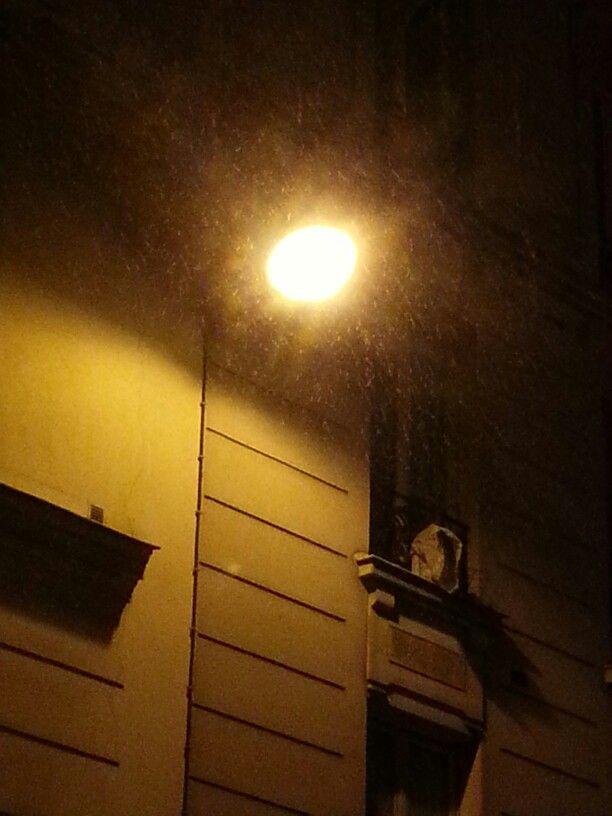Paris éclairage sous la neige