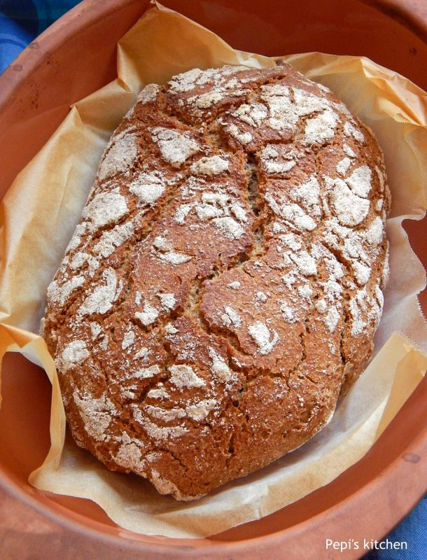 Ψωμί χωρίς ζύμωμα με αλεύρι ολικής http://greekmylittleexpatkitchen.blogspot.gr/2014/02/blog-post.html No knead bread with whole wheat flour http://mylittleexpatkitchen.blogspot.nl/2014/02/no-knead-bread.html