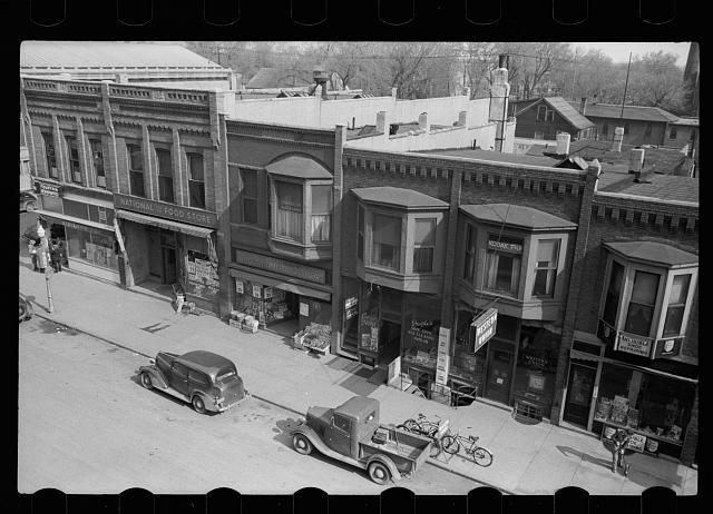 Newton (IA) United States  city pictures gallery : Newton, Iowa Square. [Untitled photo, possibly related to: Newton ...