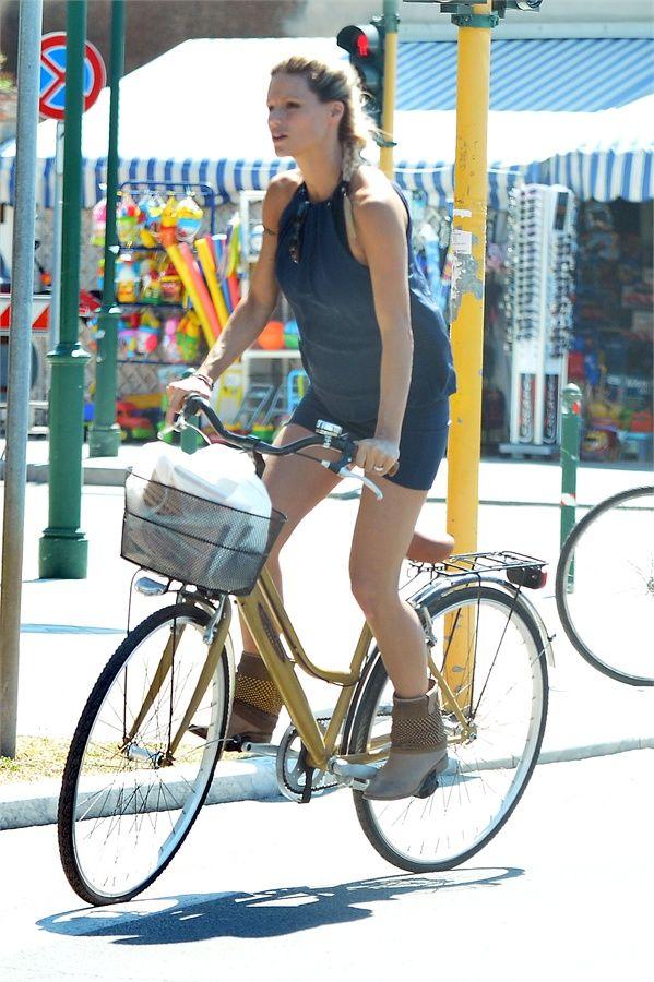 #Michelle #Hunziker on #StrategiaShoes .  #boots #fashionshoes #madeinitaly #vanityfair #michellehunziker #ankleboots #italian #celebrities