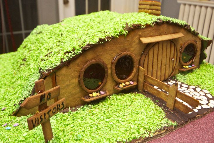 Gingerbread Hobbit Hole from Lord of the Rings