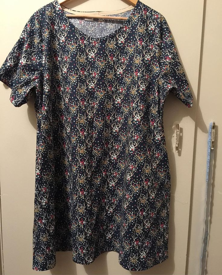 #100actsofsewing #dressno2 with side pockets and short sleeves, in #dearstella fabric from @gjsdiscountfabrics. Started this arvo with #drblakemurdermysteries finished while watching #outlanderseason2 (btw, what a brilliant episode!) #sundaze #homesewnwardrobe #handmadewardrobe #sewzen