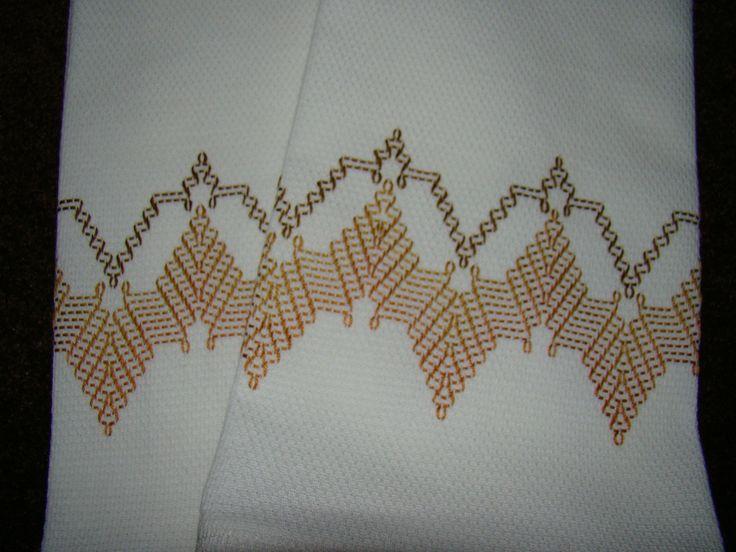 Conjunto de 2 toalhas de chá adornadas 118 Modern por FuzzyDuckCreations