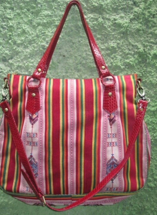 Kain Lawasan Tenun Buna Timor with Red Phython Leather (made in Indonesia)