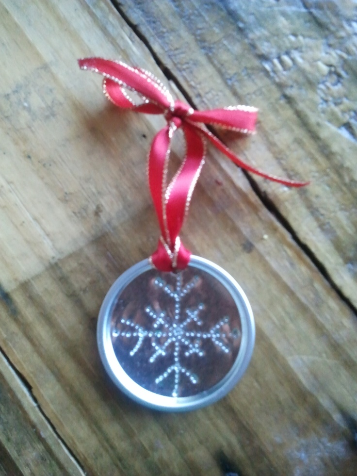 christmas in july craft reduce reuse recycle coffee can lid snowflake ornament done with a. Black Bedroom Furniture Sets. Home Design Ideas