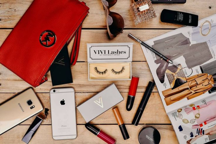 E weekend, așa că hai să ne relaxăm cu o sesiune de #shopping pe www.vivilashes.com și să ne pregătim pentru momente de neuitat cu prietenele noastre în oraș.