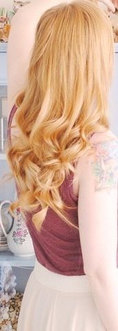 Strawberry blonde hair color. Hmmm.... I like this color too ;)