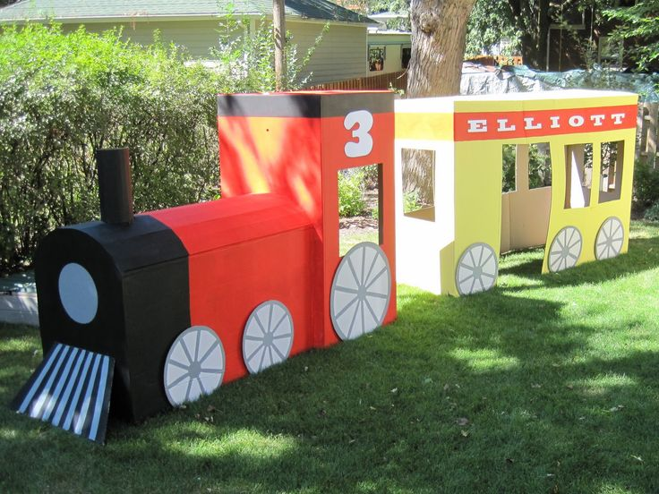 Another idea for a play train for the party... I like this one, but it needs more cars.