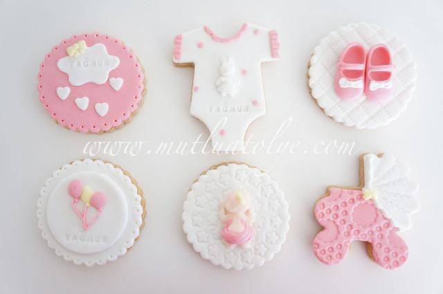 Butik bebek kurabiyesi, kız çocuklar için kurabiye, butik kurabiye, kurabiye, , kız, kız bebek, bebek, doğum, mevlüt, baby shower, bebekler için, kız çocuk, çocuklar için, kişiye özel, tasarım, doğum günü, doğumgünü, yaş günü, 1 yaş, puset, body, patik, uyuyan bebek, balonlar, balonlu,