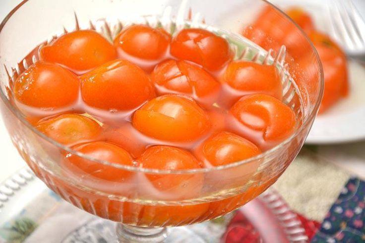 É tempo de laranja kinkan, elas vem mais docinhas, boas de comer e ótimas para compota, que é muito fácil de se fazer.