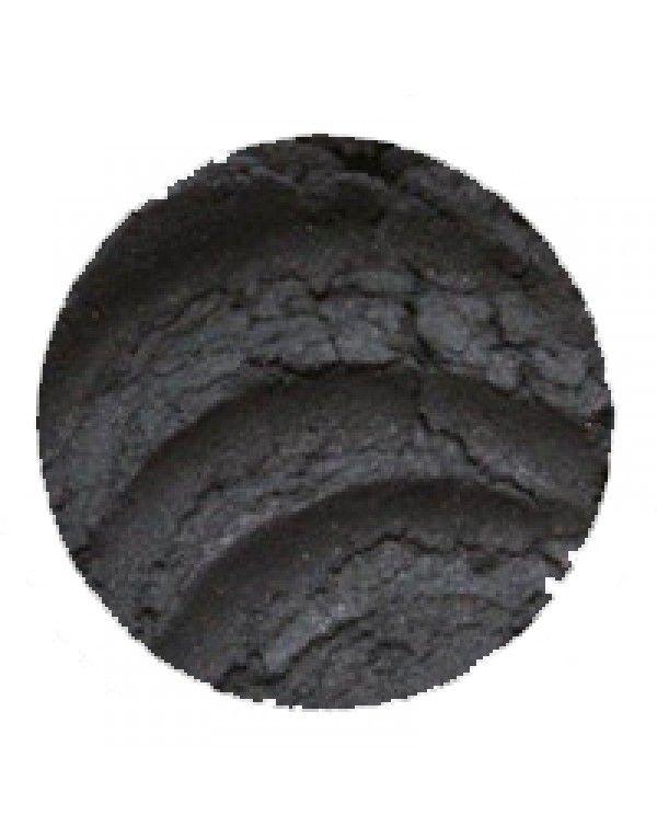 Erth Coal øyenskygge – det ligger i navnet at dette er en dyp svart øyenskygge. Med sitt myke perlemorsskimmer er denne fin for å skape et s...