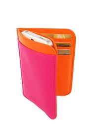 I just LOVE my Lumi Accessories Siru iPhone Wallet.