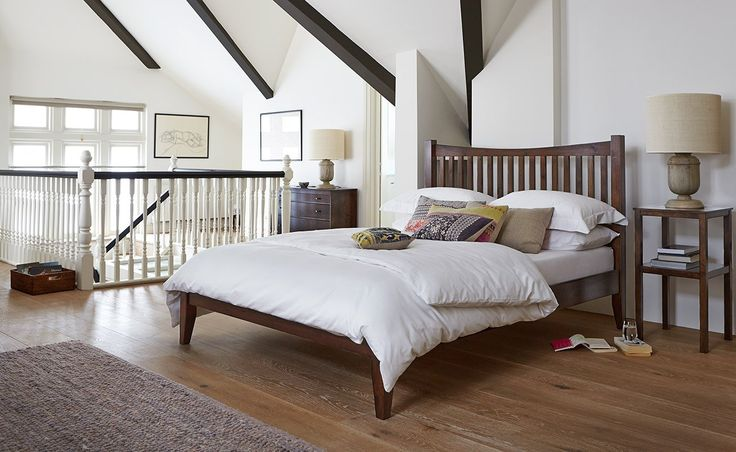 The finest solid wood, the Cambridge bed combines fashion and furnishing with ease. This is not simply a bed, but a beautiful piece of workmanship.