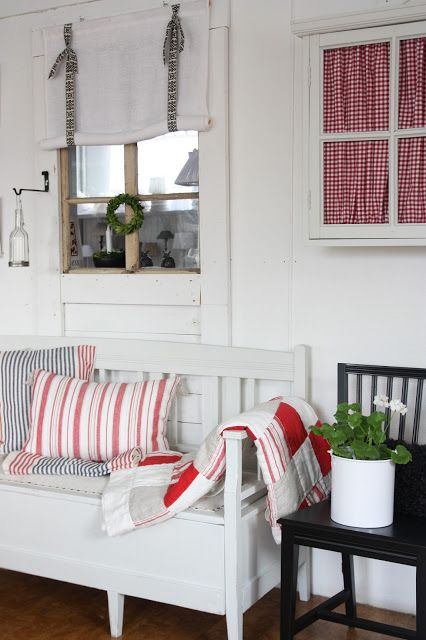 love the pillows... red, white, blue
