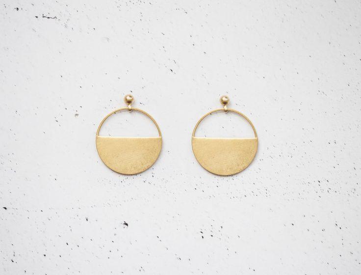 Ohrringe -  Messing Halbkreis Ohrring Stecker | HALF - ein Designerstück von Kalinkati bei DaWanda
