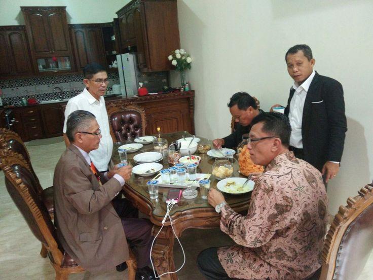 Panitia Mubes V 2016 pada saat serapan dikediaman Nasib Simarmata, sebelum meluncur ke kota Bandung