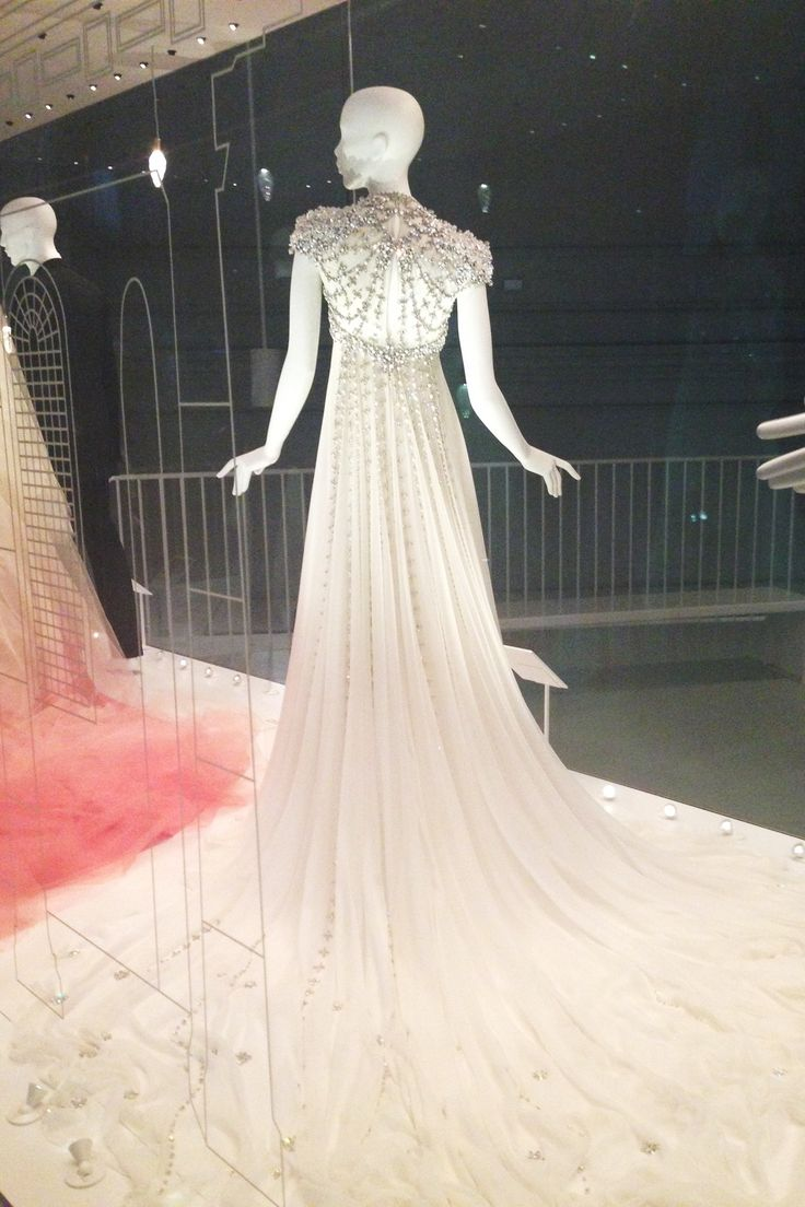 Victoria & Albert Museum V&A's Wedding Dresses Exhibition Preview (Vogue.com UK)