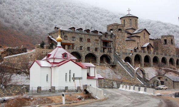 http://osetia.kvaisa.ru/wp-content/uploads/2015/04/Monastir-Kurtatinsk-Uschelie.jpg