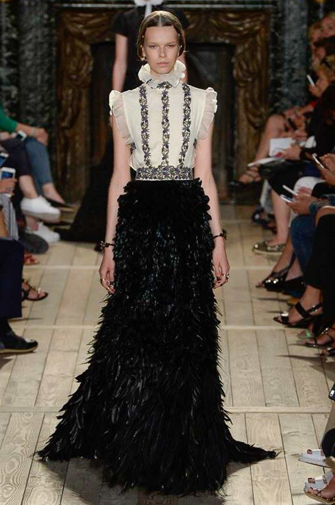 Valentino Fall 2016 Couture Fashion Show. I wonder if the feathers fall off as you wear it.