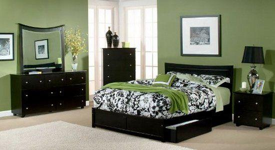 Черная мебель для спальни - зеленый фон