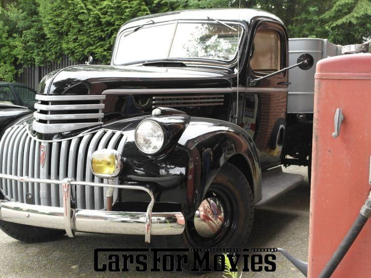 Chevrolet Stake Truck 1942 als Oldtimer Pickup mieten in Niedersachsen.Dieser Oldtimer steht nur für Film, Foto oder Werbung zur Verfügung.