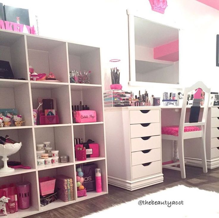 makeup vanity with lots of storage. This would be a perfect vanity setup for me  Tons of organization my tons other stuff bright and feminine lots 88 best Make up Vanities images on Pinterest Ideas bedrooms
