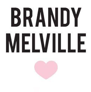 Brandy Melville is een Kleding winkel , die erg bekend is. Brandy Melville is afkomstig vanuit Amerika. 1. Vormen De vormen zijn tweedimensionaal en makkelijk gemaakt. Het logo valt niet gelijk op omdat het logo niet zo groot is, alleen is er een hart te zien. Toch trekt deze kledingwinkel veel bezoekers doordat het de laatste heel populair is geworden en er veel bekende YouTubers naartoe gaan. Ook in dit logo zijn maar 3 kleuren gebruikt: roze, wit en zwart. Ook dit betekend dus een…