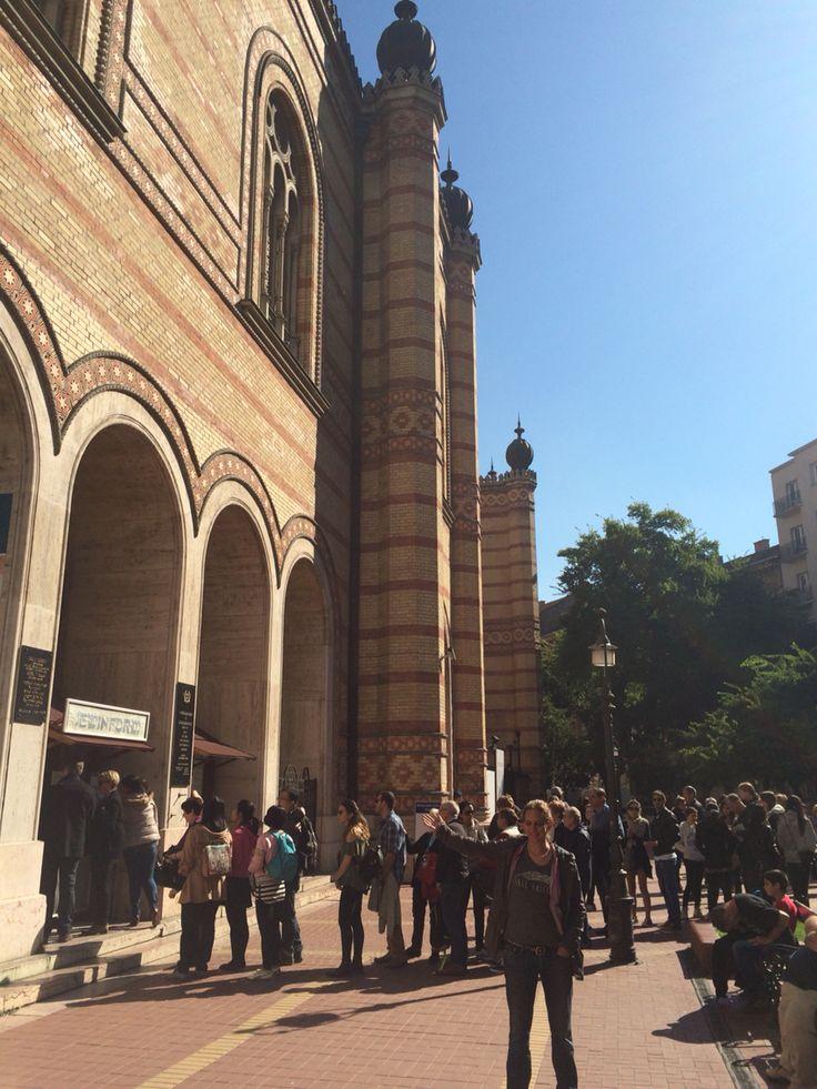 Jaime checks out a synagogue.