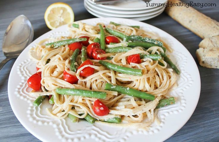 Healthy Ricotta Linguine with Green Beans & Cherry Tomatoes - Yummy Healthy Easy
