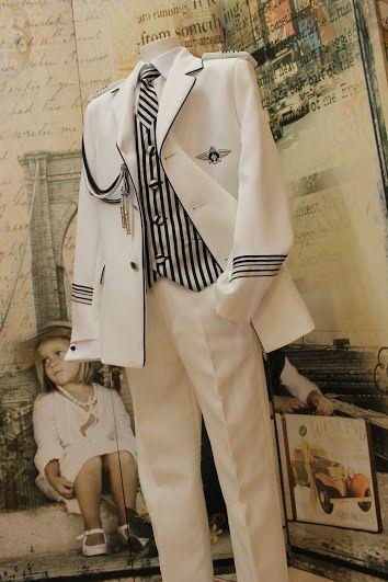 """Notajunto Boutique Infantil www.notajunto.net """"Vistiendo tu infancia desde 1988"""" C/ Salvador y Vicente Pérez Lledó 9 Mutxamel (Alicante) 965952070-653832575 #ceremonia #notajunto #estilo #fashionkids #artesanía #madeinspain #modainfantil #notajuntochic #comunion #primeracomunion"""