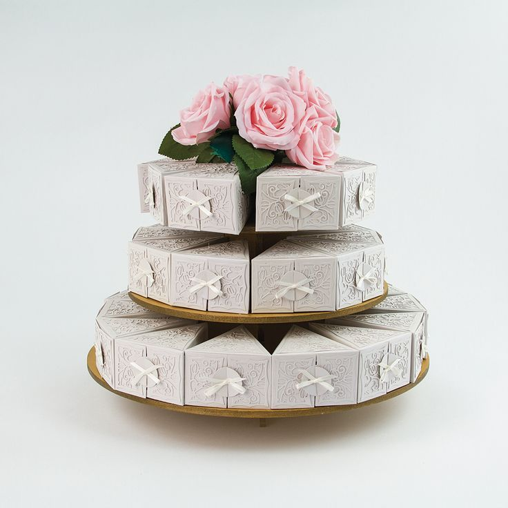 best 25 cake slice boxes ideas on pinterest wedding cake boxes wedding cake guest boxes and. Black Bedroom Furniture Sets. Home Design Ideas