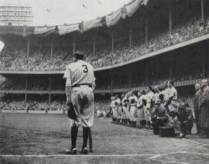Premio Pulitzer de fotografía de 1949: Fotografía tomada por Nathaniel Fein para el New York Herald-Tribune. En ella capta el momento en el que el jugador de béisbol de los Yankees, Babe Ruth, se encontraba en su partido de retirada. Es considerado el mejor jugador de este deporte de todos los tiempos. Jugó 22 temporadas en la Major League Baseball. El título de la foto es The Babe Bows Out.