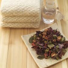 Deze verfrissende kruidige potpourri is een decoratieve manier om langdurige een lekkere geur in je huis te krijgen