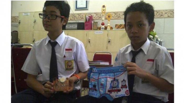 Siswa SMP Ciptakan Celana Dalam Anti-Perkosaan, Celana Bunyi Jika Dilepas