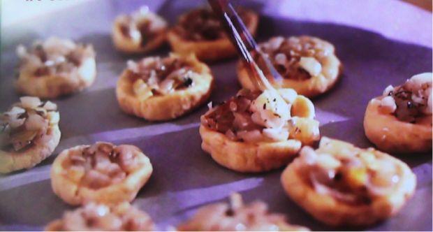 ricetta focacce ripiene cipolla stufata 2