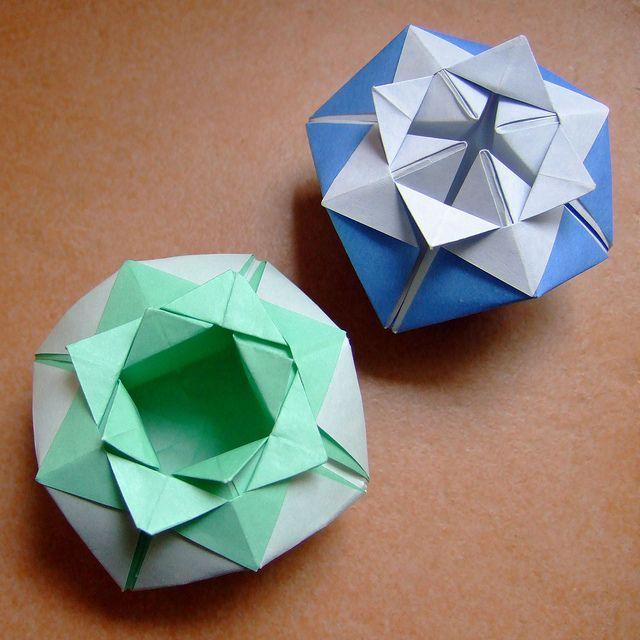 origami flower box by evi binzinger via flickr looks