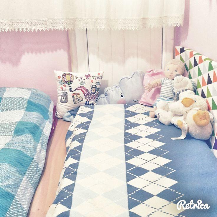 Bebekler için ve çocuklar için yer yatağını şiddetle tavsiye ediyorum. Park yatakmış oymuş buymuş hepsi hikaye, yer yatağı gerçekten şahane!