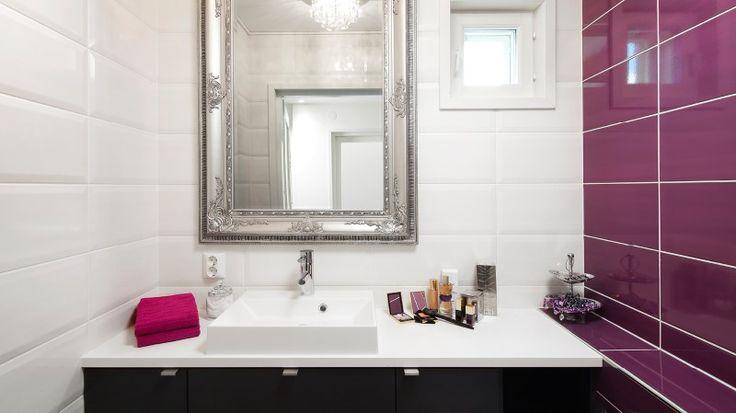 Suunnittele viihtyisä kylpyhuone, lue vinkit: https://www.k-rauta.fi/inspiraatio-ja-ohjeet/sisustus/suunnittele_viihtyisa_kylpyhuone/?utm_source=nettisivu&utm_medium=Pinterest&utm_campaign=Pinterest_kylpyh_030715 #kylpyhuone #kylppäri #laatta #krauta