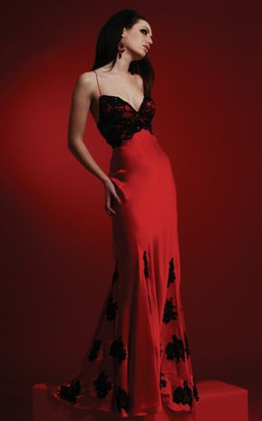 Red And Black Bridesmaid Dresses | Black and red wedding gowns rule the fashion and latest trend perhaps.