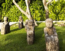 Outdoor Statues Installations at Alila Villas Uluwatu