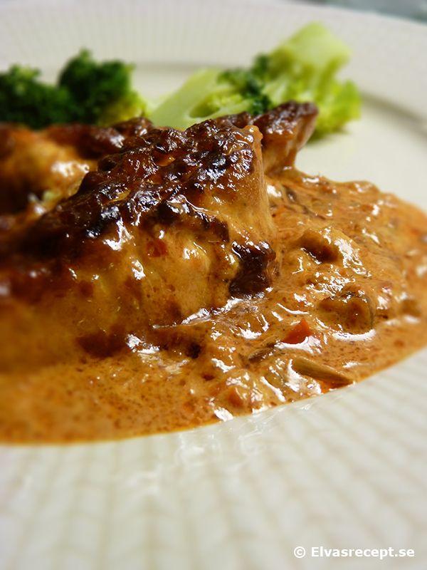 Ajvar Relish Kyckling. Chicken fillet with ajvar relish sauce.