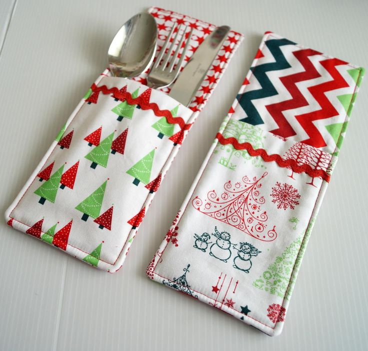 Have your dress your spoons, forks, and knives to the nines with this Cutlery Pockets Sewing Pattern. No matter what special occasion you are preparing for, easy sewing projects like this make creating sewn kitchen crafts easy, breezy, and fun.