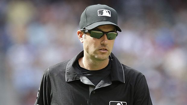 MLB Umpire Saves Woman Before She Jumps Off Roberto Clemente Bridge https://tmbw.news/mlb-umpire-saves-woman-before-she-jumps-off-roberto-clemente-bridge  MLB umpire John Tumpane was a true hero on June 28 when he prevented a woman from jumping off a bridge in Pittsburgh. The story of how John did it is absolutely heartwarming.John Tumpane, 34, made the most important save of his entire life on June 28 when he prevented a girl from committing suicide by jumping off the Roberto Clemente…