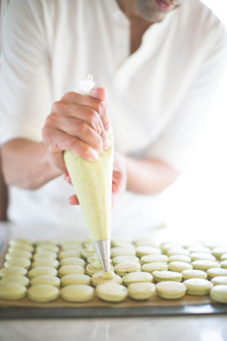 Making homemade pistachio macarons
