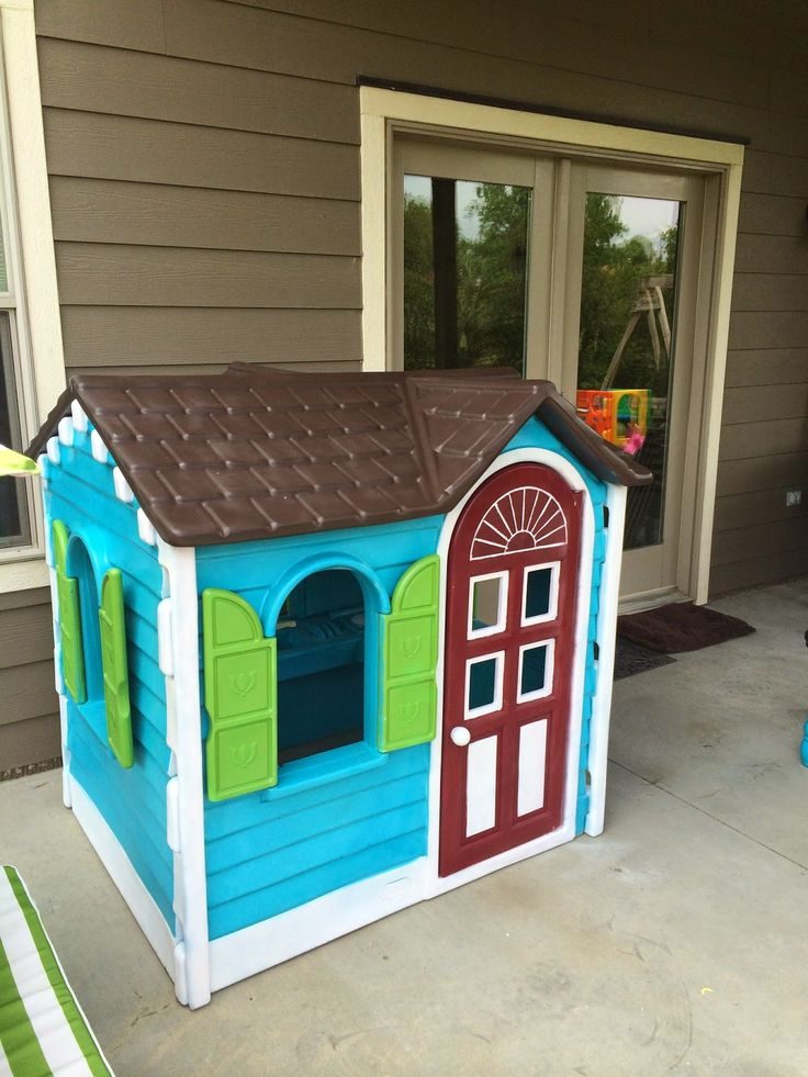 Pontier Pleasantries: Little Tykes Playhouse Makeover!