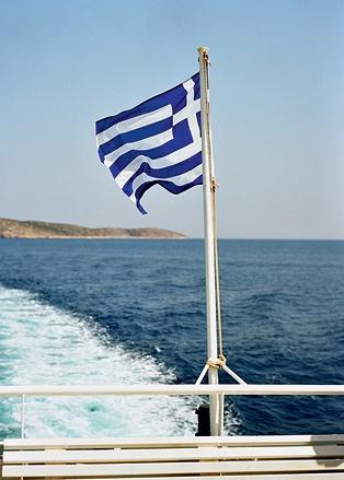 Лучше всего по греческим островам путешествовать на яхте