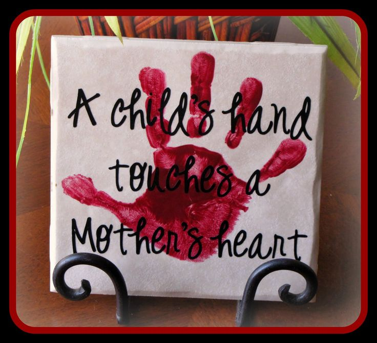 diy Christmas gift idea ~ Tile... A child's hand touches a Mother's heart. Would also be a sweet Christmas gift made for a grandma, grandpa or daddy... A child's hand touches a Grandma's heart