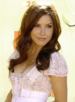 Sophia Bush.  I've been following this beauty since Van Wilder.  And what this picture doesn't capture is her smoky, sexy voice!