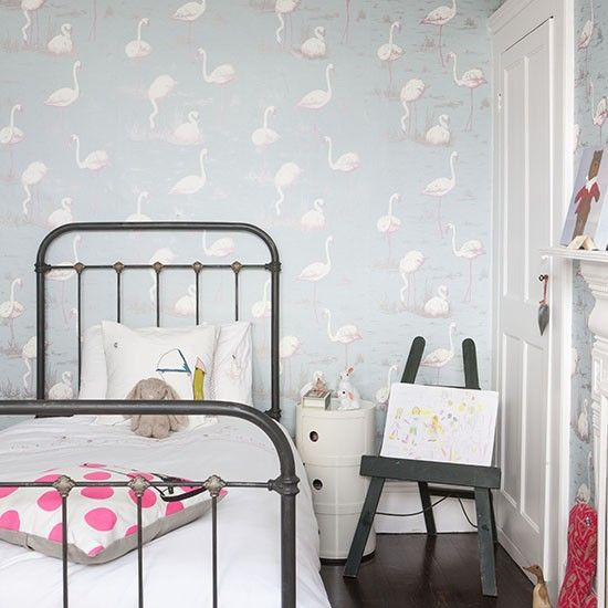 Child's room with flamingo wallpaper | Traditional children's bedroom ideas | Children's rooms | PHOTO GALLERY | Ideal Home | Housetohome.co...